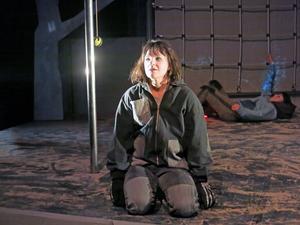 Cecilia Wernesten spelar ett av barnen i