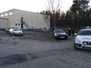 Polispådrag vid Petreskolan.