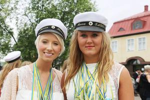 Sanna Hammarberg från Lillhärdal och Hanna Åslund Myhr från Älvros sjöng Sverigeaktuelle Doug Seegers dänga