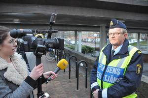 Polisens presstalesman Kjell Lindgren utesluter inte att flera kan vara innlandade i måndagens rån mot guldsmedsaffären i Täby. Bilden är tagen vid ett tidigare tillfälle.