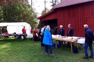 Carl-Åke Wallin på Stocka sålde finaste vilda fisken, och från Båtsmanstorpets Bigård kom hallonhonung och mycket mer.