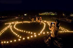 Så här såg det ut på ljuskvällen i Sveaparken för ett par år sedan. Den 13 oktober hålls årets ljuskväll.
