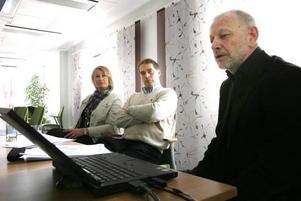 I går presenterades Socialstyrelsens utvärdering av landstingets hjärtsjukvård. På bilden syns verksamhetschef Birgitta Dackell, överläkare Gunnar Gustafsson och Ola Westin, chef för Samhällsmedicin Gävleborg.