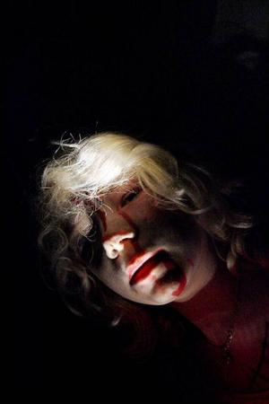 Blodet rann från kinderna på Stina Rudebjer och hon var liksom de övriga en duktig skådespelareFoto: Henrik Flygare
