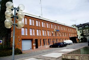 Polisen blir inte kvar i nuvarande lokaler i Borlänge då ett nytt polishus byggs i Falun. I stället blir det ett mindre poliskontor med en betydligt mindre personalstyrka.