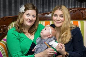 Vi ville göra något roligt tillsammans och samtidigt bidra till cancerforskningen. Camilla Linder, dotter till Carina som avled av en hjärntumör.