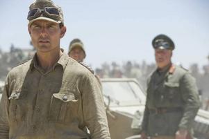 """Tom Cruise som överste Claus von Stauffenberg i """"Valkyria"""". Filmen, som har svensk premiär ikväll, handlar om mordförsöket på Hitler 1944."""