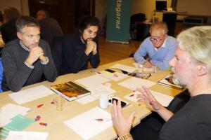 Åre kommuns näringslivsråd kallade till ett stormöte om gränshandel förra veckan fylldes stora konferensrummet på Holiday Clubs övervåning.
