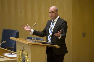 Inte lätt. Statsminister Fredrik Reinfeldt (M) såg bekymrad ut när han talade i riksdagen om toppmötet i Europeiska rådet i förra veckan.foto: scanpixFoto: Fredrik Sandberg / SCANPIX / Kod 10080