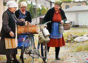 """En nyinköpt cykel rönte stor uppmärksamhet i föreställningen """"Dagen innan den stora strejken i Stripa""""."""