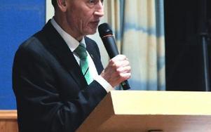 Göran Engström (C) kritiserade kommunalrådet Leif Nilsson för felprioriteringar rörande satsningen på det uppvärmda sjöbadet vid Prästa. Foto: Andreas Irebring