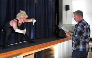 Fredrik Forss får regi av Hans Werner.