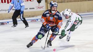 Mittfältaren Pär Törnberg är tillbaka i Bollnäs efter en allsvensk säsong i Ljusdal där han noterades för 47 poäng på 22 grundseriematcher.