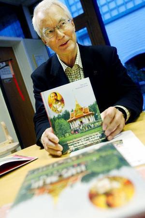 """""""Jag skrev boken eftersom det finns behov av kvalificerad information byggd på detaljerade fakta"""", säger Tage Levin."""