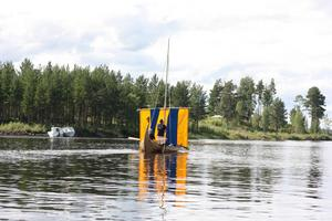 Efter att båten sjösatts ställdes den ut på Västgård Game Fair.