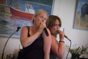 Anne Berglund Frid och kompisen Anna Lilliér underhöll.
