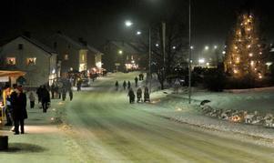 Fränsta bjöd på en julskyltning i ett vintrigt landskap.