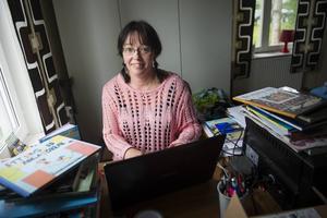 Sanna Juhlin började började skriva på allvar 2007, flera av böckerna vill förlagen nu ha uppföljning på och planer finns på att göra en film baserat på en bok.