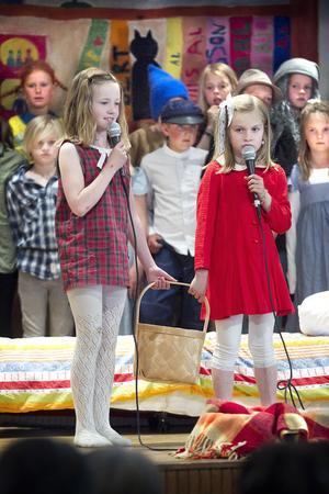 Felicia von Essen och Elin Fridlund bjöd publiken på ett nummer från Bullerbyn.