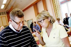 Rolf Lilja (S) och Maria Söderberg (S)  hade heta diskussioner efter att beslutet om Ytteråns skola tagits.