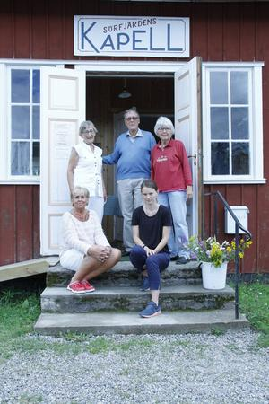 Eva Näslund, Björn Björnström, Barbro Hansing, Mia Sjölund och Gunilla Forsberg är några av hantverkarna som ställer ut i kapellet.
