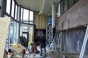 Utbyggnaden blir inglasad och sex meter hög och ligger granne med den andra restaurangen, 180 grader.
