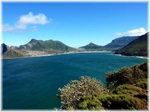 Är det här, vid Hout Bay utanför Kapstaden i Sydafrika, som landslaget Bafana-Bafana laddar sina batterier ?? Det borde alla som besöker Kapstaden göra. Det blåser en del men naturen är bedårande !!
