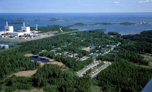 TIDIG INFORMATION. Trots att det ännu inte är bestämt om slutförvaret av utbränt kärnbränsle hamnar i Forsmark (bilden) eller Oskarhamn får företagen i Uppsala län information om upphandlingsprocessen.