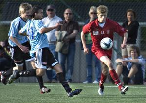 Viktor Roos lämnar Arbrå i division 4 för spel med Söderhamn i tvåan.