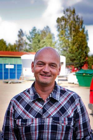 Niclas Camarstrand överväger att återigen bygga om torget i Smedjebacken.
