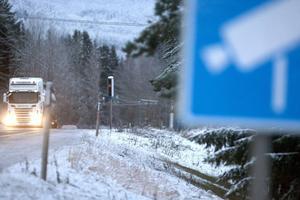 Trafikverket planerar för att sätta upp totalt tolv nya fartkameror längs E14 genom Ånge kommun.