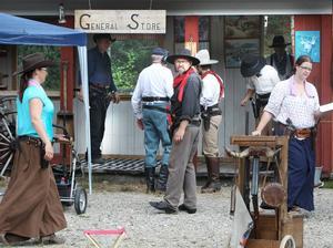 Skjutstationerna, eller stage, som de kallas i CAS-skyttet var uppbygda som olika westernmiljöer.