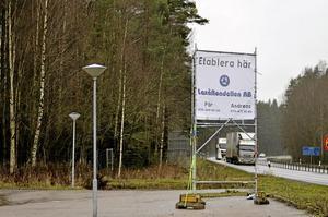 Markbyte. Laxå kommun kommer att detaljplanera området söder om Laxå längs E 20. Marken har bytts med Sveaskog. Foto: Göran Kempe