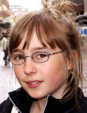 Stina  Sundberg, 12 år,  Föllinge:– Ja, jag skulle vilja bli väldigt duktig på att dansa. Jag tycker mycket om dans och håller på med det.