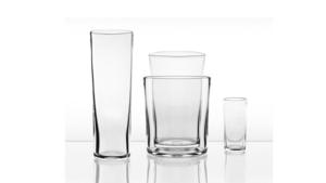Glasformgivaren Ingegerd Råman har designat de stapelbara vaserna för Skrufs Glasbruk. Du hittar dem bland annat på Norrgavel. Pris från 298 kronor.