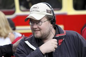 Ena halvan av filmens regissörsduo – Johan Bromander, som delade uppgiften med sin fru.