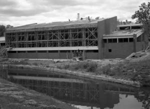 KJ byggde badhuset i Norrtälje. Invigningen skedde 1958, men i sommar stängs anläggningen för att ersättas av det nya badhuset i Södra bergen.