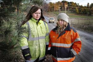 Alla har inte körkort och bil. Hanna Susi och My Andersson ska starta en namninsamling för bättre busstrafik i Bergshamra.
