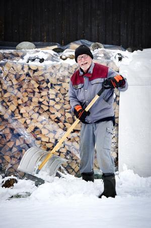 Göran Strömberg, Bjästa, skottar första snön.