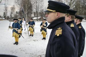 Kamratföreningen överraskade flygvapenchefen med att bjuda in karoliner till minnesceremonin.