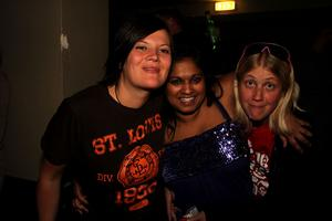 Blue Moon Bar. Maria, Anna och Maria