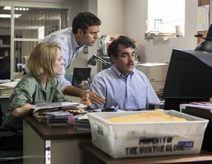 Rachel McAdams, Mark Ruffalo och Brian d'Arcy James i en scen ur filmen