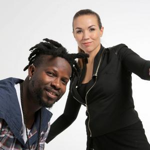 Duon Sousou & Maher Cissokoblandar västafrikanska rytmer och klanger med reggae och blueskänsla.