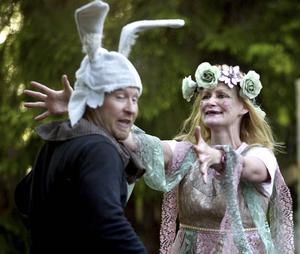 4: Botten och Titania i Teater Thalias förra uppsättning av En midsommarnattsdröm.
