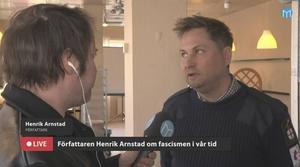 Henrik Arnstad föreläser ett par gånger i veckan om fascism och ultranationalism. På tisdagen besökte han Borlänge.