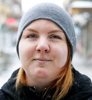Belinda Signal, 23 år, Frösön:– Nej, man har ju bra balans. Halkar man får man oftast tillbaka balansen så att man inte sätter sig på arslet. Det är flera år sedan jag trillade.