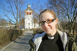 Kyrkoherden Ingrid Natander har inte stängt något i samhället, tvärtom har hon visat att svenska kyrkan är öppen för alla, skriver Andreas.