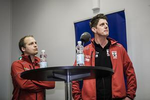 Stefan Jarl och Jerker Eriksson, lagledare för Eskilstuna Smederna. Jerker Eriksson till höger.