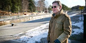 Rune Lind, 68 år, från Västergård tycker inte att det gör något med den lilla omvägen.