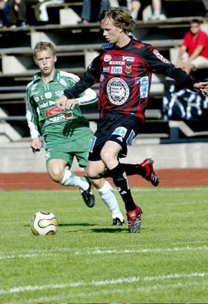 Jonas Lundmark, här i ÖFK-dressen i en match mot Boden hösten 2006, har valt att förlänga sitt kon trakt med Sirius.